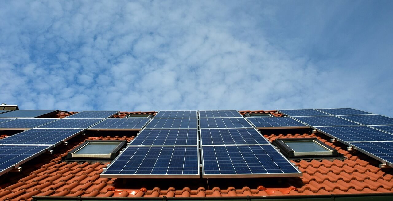 Solar Companies in California Are Paying to Give Away Power