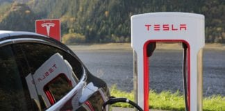 The #1 Question Asked by Tesla Owners: How Long Does a Tesla Battery Last?